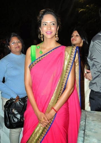 11 Beautiful Tamil Actress In Saree Styles At Life