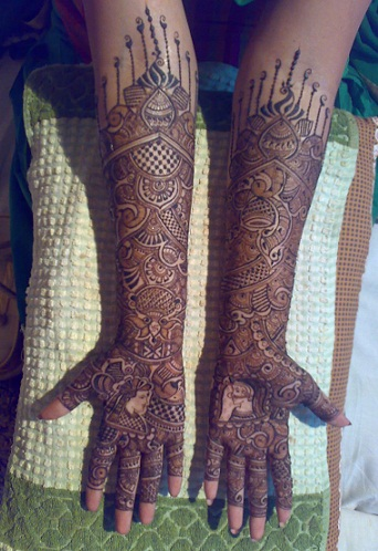 Best Mehndi Artists In India-Pushpa