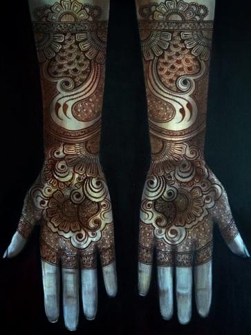 Bisha Mistry's mehndi designs2