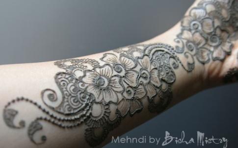 Bisha Mistry's mehndi designs7