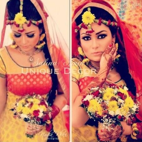 Maangtika Style Flower Jewellery For Mehndi Designs