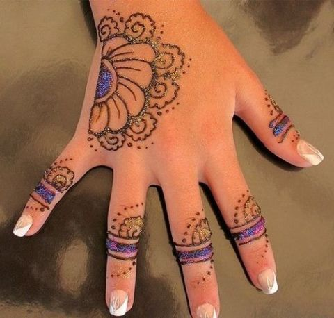 Mehndi design for kids2