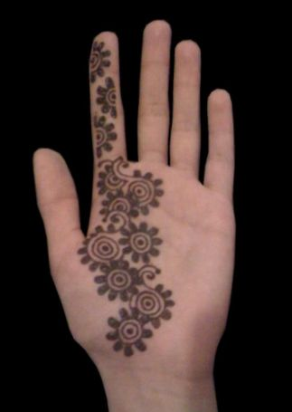 Mehndi design for kids4