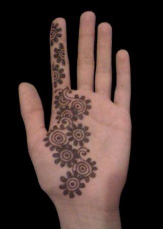 flower mehndi designs for kids