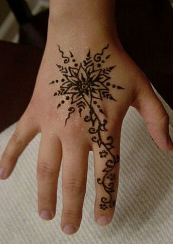 Mehndi design for kids5