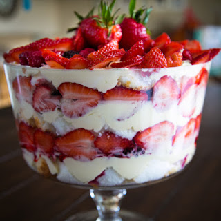 Mixed berry fruit trifle
