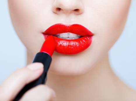 how to apply lipbalm2
