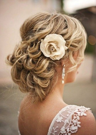 8 Best And Beautiful Messy Bun Hairstyles With Pictures