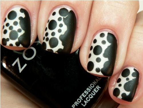polka dot nail2