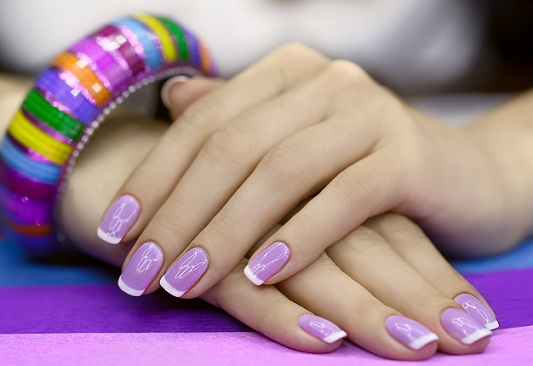 Best Method to Perform French Manicure