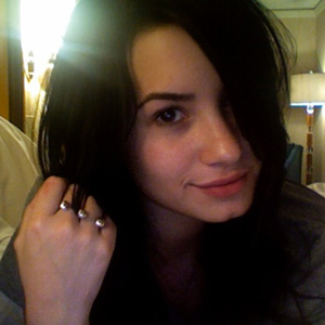 Demi Lovato without makeup pictures