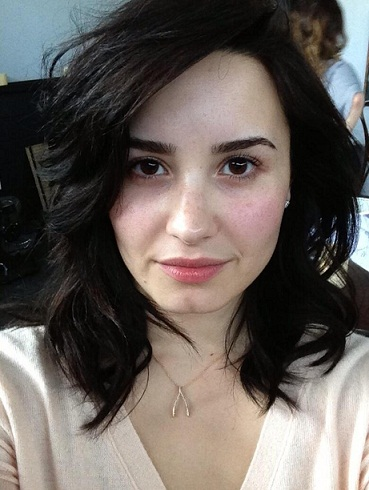 Demi Lovato without makeup2