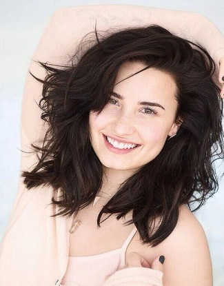 Demi Lovato without makeup3