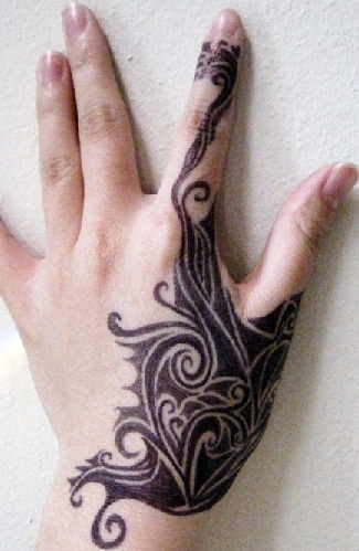 palm-tattoo-design-for-woman14