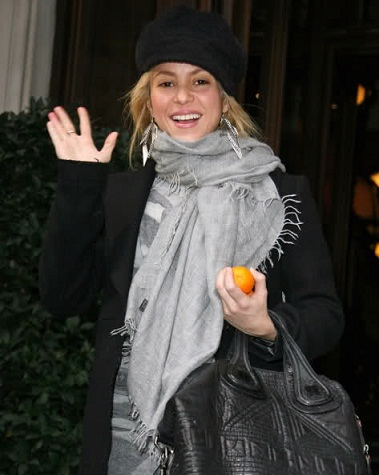 Shakira without makeup1