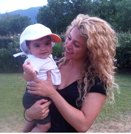 Shakira without makeup7