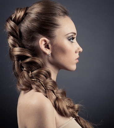 Side shifted fishtail braid