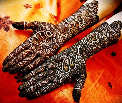 black mehndi for brides