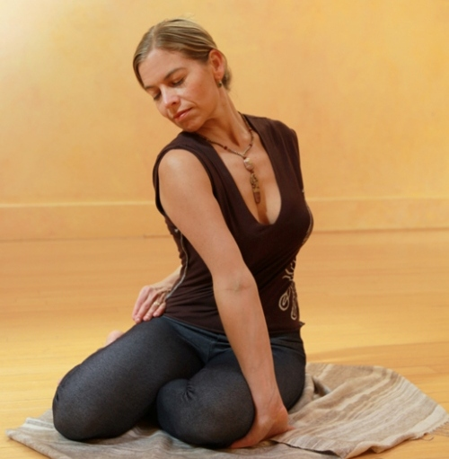 Health Benefits of  Bharadvajasana 2