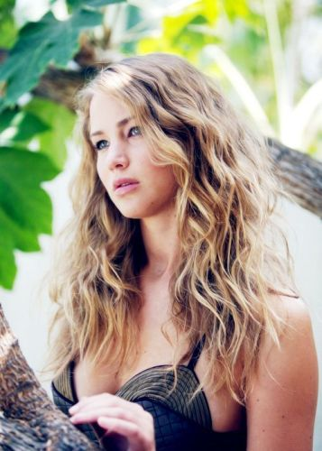 9 Trendy Medium Length Hairstyles For Thick Hair