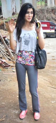 Kriti Sanon Without Makeup 7