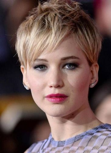 Pixie Hairstyles for Round Faces 5