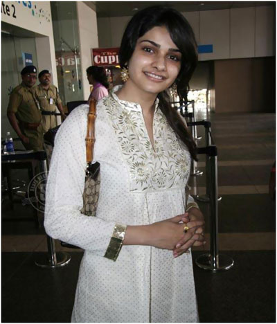 prachi desai without makeup