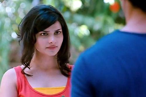 Prachi Desai without makeup 7