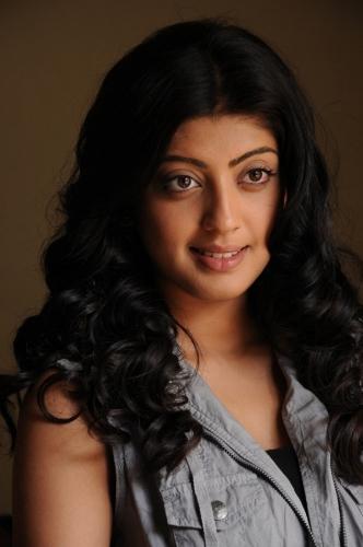 Pranitha without makeup 4