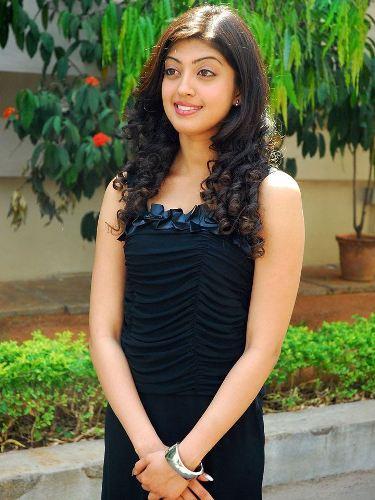Pranitha without makeup 6
