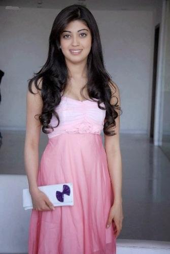 Pranitha without makeup 9