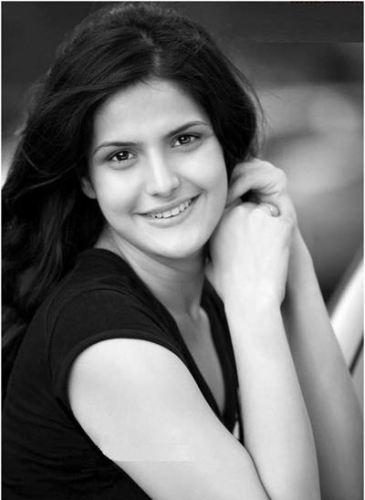 Zarine khan without makeup  4