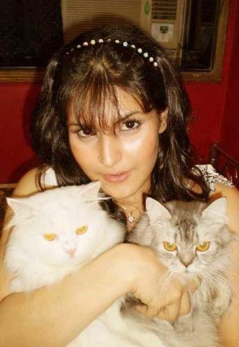 Zarine khan without makeup  6