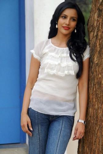 priya anand without makeup 6