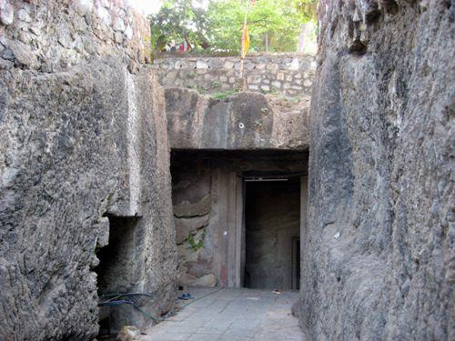 Top 9 Temples in Mumbai 4