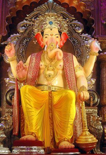 Top 9 Temples in Mumbai 6