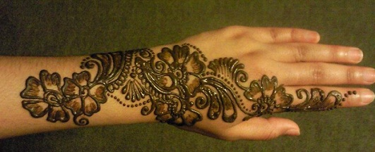 Dark Floral mehndi Design