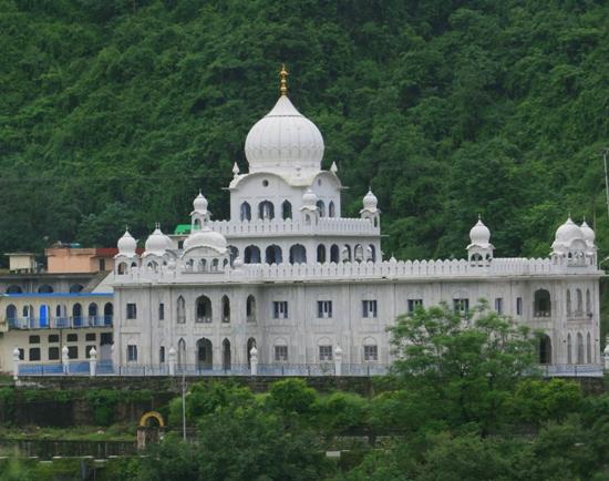 Gurdwara Rewalsar in Himachal Pradesh