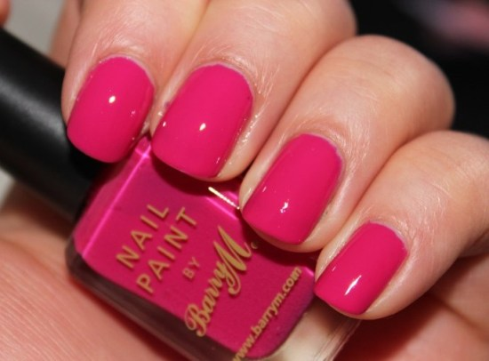 Pink Nail polishes coral pink in pop