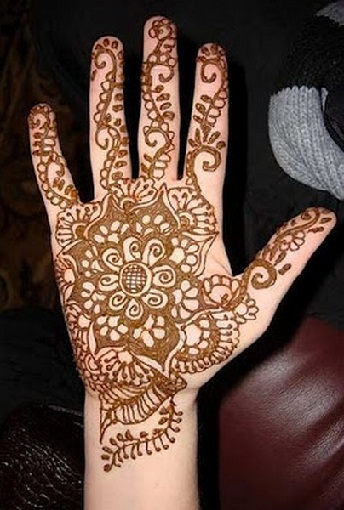 Simple And Easy Mehandi Designs 52