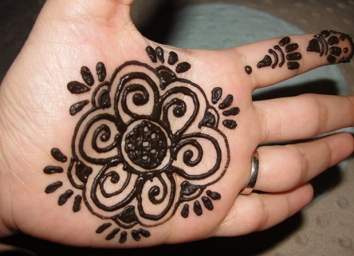 Simple And Easy Mehandi Designs 59