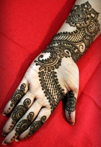 Simple And Easy Mehandi Designs 69