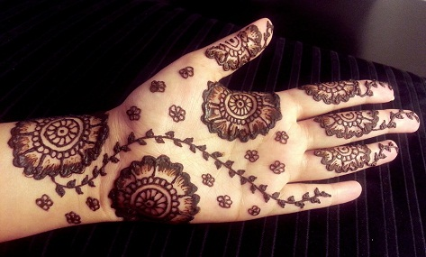 Flowers and Leaves Mehndi Design