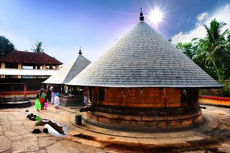 Thirupalkadal Sreekrishnaswamy Temple In Keezhperoor