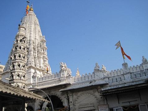 Babulnath Temple in Mumbai7