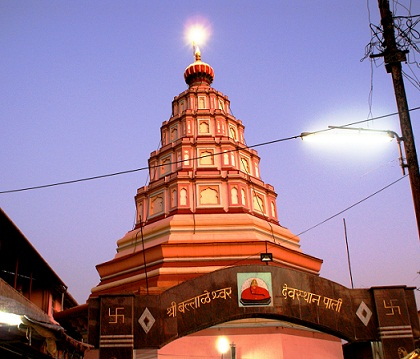 Babulnath Temple in Mumbai8