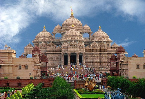temples in noida