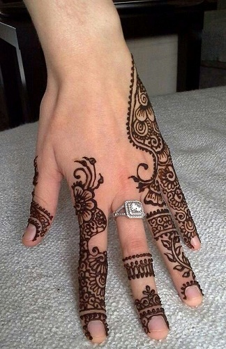 9 popular mehndi artists in chennai styles at life. Black Bedroom Furniture Sets. Home Design Ideas