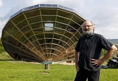 Bio-Climatic Solar House