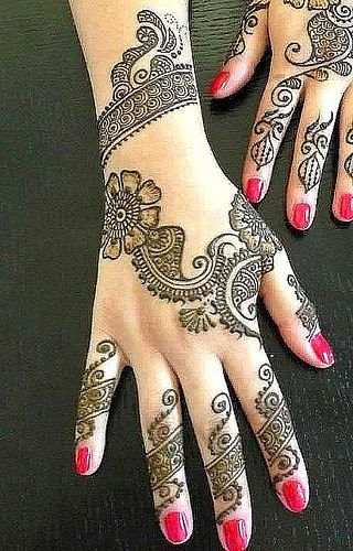 Grapevine Mehendi Design For Monsoon Season